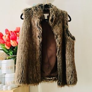 🍁🍂Faux Fur Jacket Vest 🍂🍁Like new condition 🍁